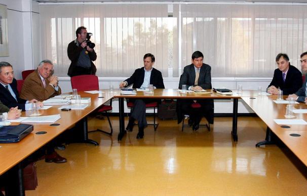 El laudo entre los controladores y AENA fija el salario medio en 200.000 euros