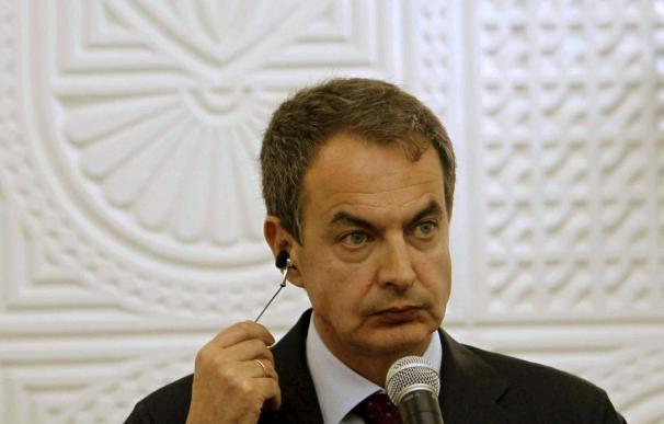 """Zapatero insta a Gadafi a abandonar su """"viaje a ninguna parte"""""""