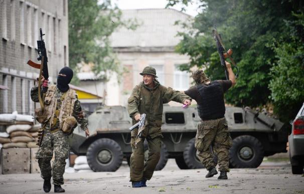 Los combates en el este de Ucrania no cesan pese a la prórroga de la tregua