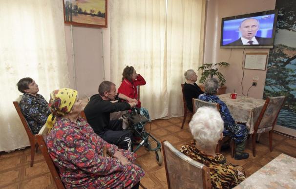 Ancianos en un asilo.