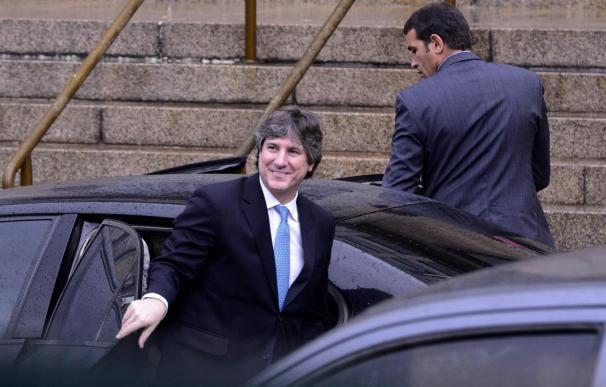 La Justicia procesa al vicepresidente argentino en un caso de corrupción