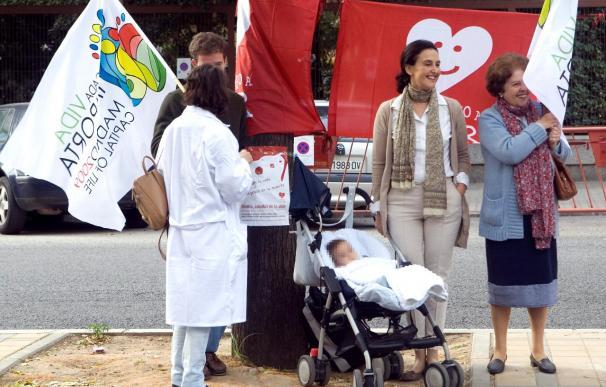 Protestas ante el hotel que acoge un congreso internacional sobre el aborto