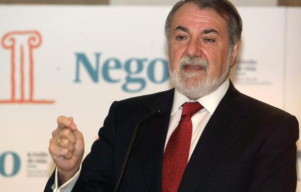 Mayor Oreja dice que Zapatero necesita a Rubalcaba y Jaúregui para la negociación con ETA