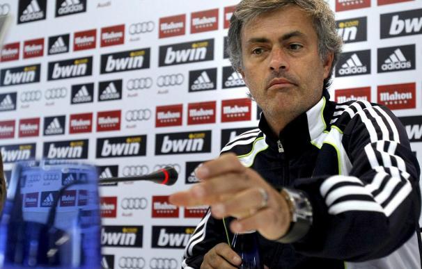 Mourinho dice que el Manchester no le ha llamado para hablar sobre Rooney