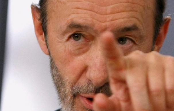 Rubalcaba dice que Zapatero sigue viendo insuficientes los pasos de Batasuna
