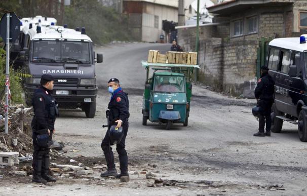 Berlusconi promete resolver la crisis de la basura en 10 días