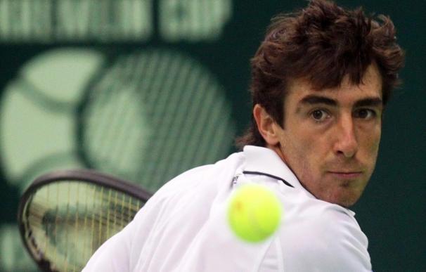 El uruguayo Pablo Cuevas se impone a Stepanek y se planta en las semifinales del torneo de Moscú