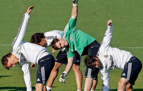 """El Real Madrid busca el fútbol para escapar del """"partido feo"""" que propone el Racing"""