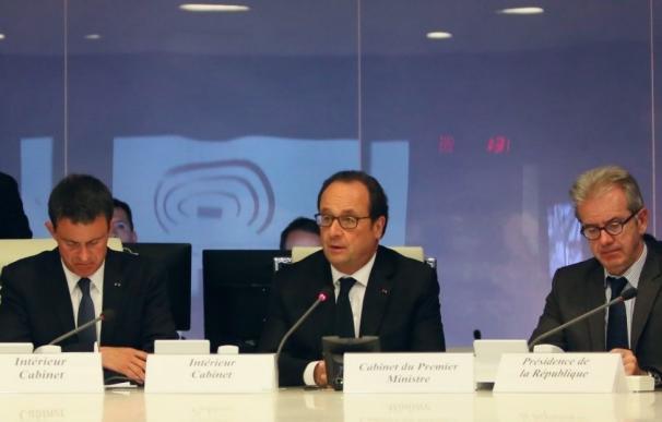 Hollande se incorpora al gabinete de crisis tras el atropello de Niza