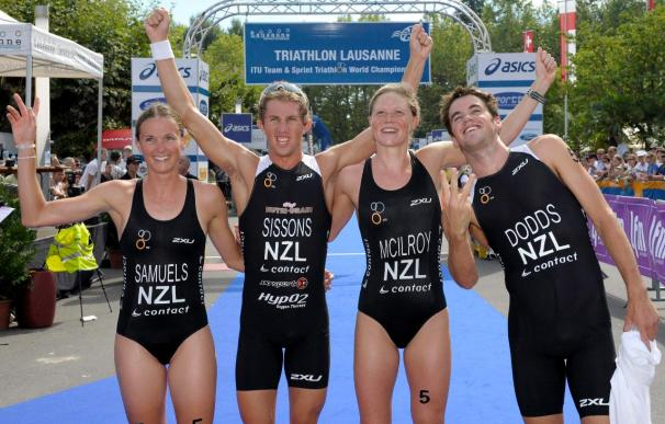 La neozelandesa Nicky Samuels vence a las olas y la lluvia de Mooloolaba