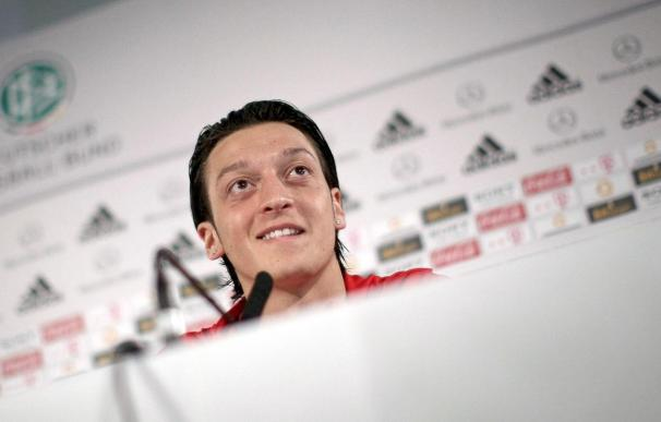 Özil asegura que su meta es ser uno de los mejores del mundo