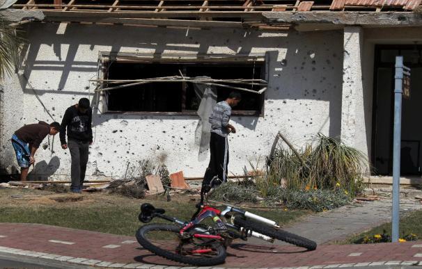 Dos palestinos muertos y tres heridos en un bombardeo israelí sobre Gaza