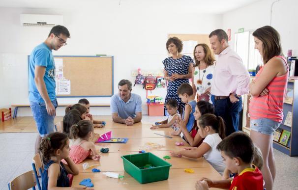 Casi 220 niños de Carboneras participan en la Escuela de Verano que apoya la Diputación