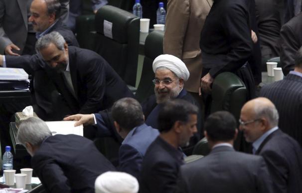 Rohaní rinde cuentas a los iraníes tras sus primeros meses de gobierno