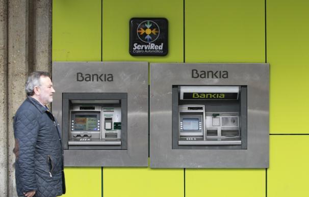 """KPMG valora el """"buen comportamiento"""" de la banca española y que el sector sea """"más estable y resiliente"""" que en 2014"""