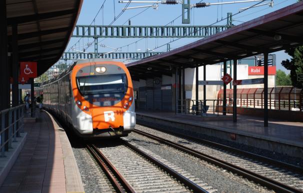 Retrasos de 30 a 40 minutos en la R1 de Rodalies por un atropello en Sant Adrià