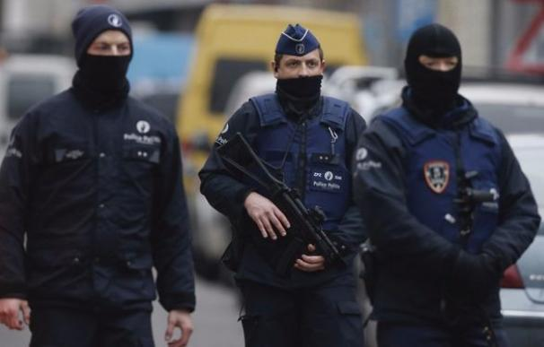 La policía detiene a dos hermanos acusados de planear un atentado en Bélgica