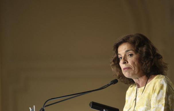 Botella pide cambiar la ley de huelga para que se cumplan los servicios mínimos.