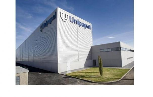 """Trabajadores de 'Unipapel' """"esperanzados"""" en que alguien compre la factoría"""