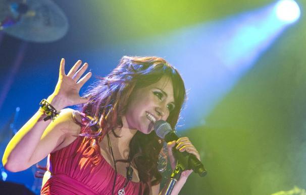 """Dulce María, antigua RBD, arranca como cantante en solitario con """"Extranjera"""""""