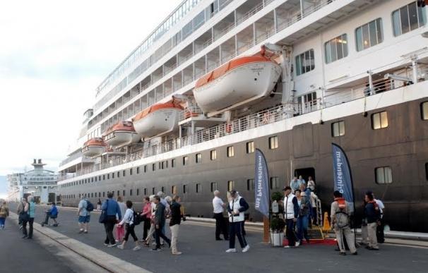 Dos cruceros traerán hasta el puerto más de 3.000 pasajeros durante los próximos días