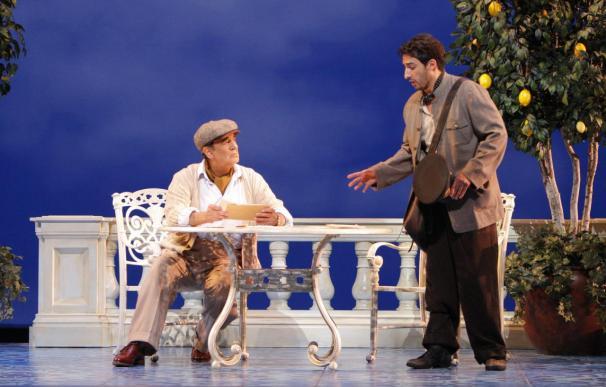 """Ovación en el estreno de """"Il Postino"""", con Placido Domingo como Pablo Neruda"""