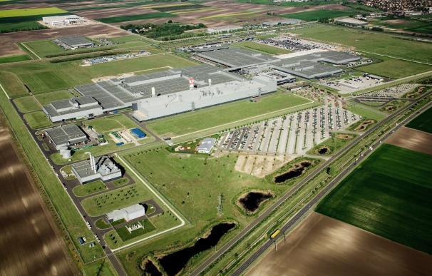 Mercedes-Benz invertirá 1.000 millones en abrir una segunda planta en Kecskemét (Hungría)
