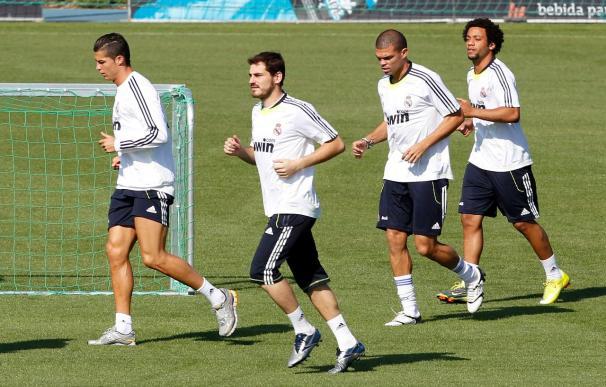 El Madrid defiende el liderato ante el Levante y el Barça visita La Catedral