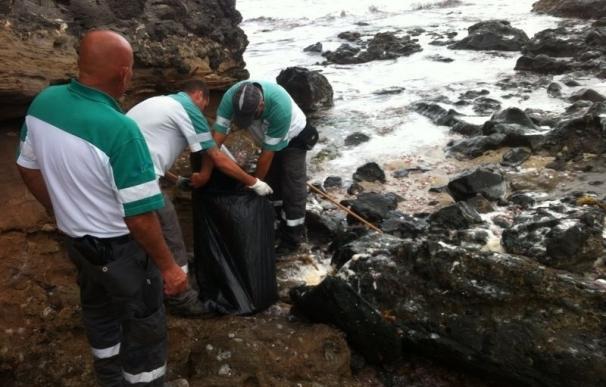 Reabren al baño la playa de El Confital tras análisis positivos, pero sin saber el origen del vertido fecal