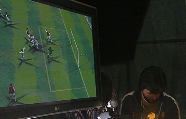 El portugués Cristopher, campeón del mundo de Pro Evolution Soccer 2010