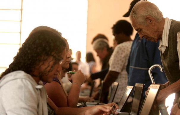 Autoridades venezolanas destacan la normalidad en las primeras horas de votación