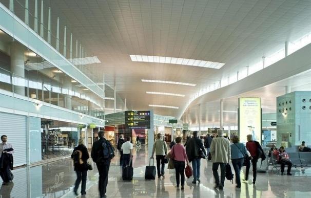 El aeropuerto de El Prat programa 3.878 vuelos en la operación salida de agosto