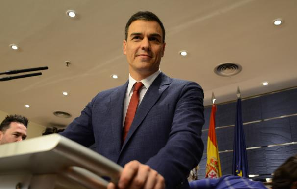 Pedro Sánchez exige que Rajoy vaya a la investidura y evita aclarar qué hará él si fracasa