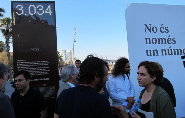 """Barcelona """"mira a la cara"""" a los muertos en el Mediterráneo con un 'contador de la vergüenza'"""
