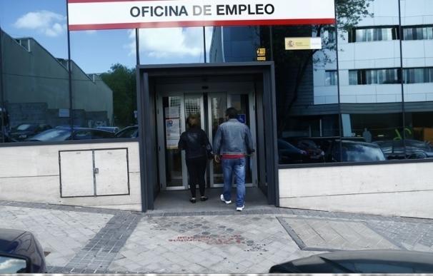 El paro en Galicia baja en 4.900 personas al 17,7% el segundo trimestre, un 2,2% menos, por debajo de la media