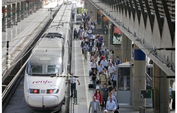 Casi dos millones de viajeros utilizan el AVE Barcelona-Madrid hasta junio, un 5,4% más