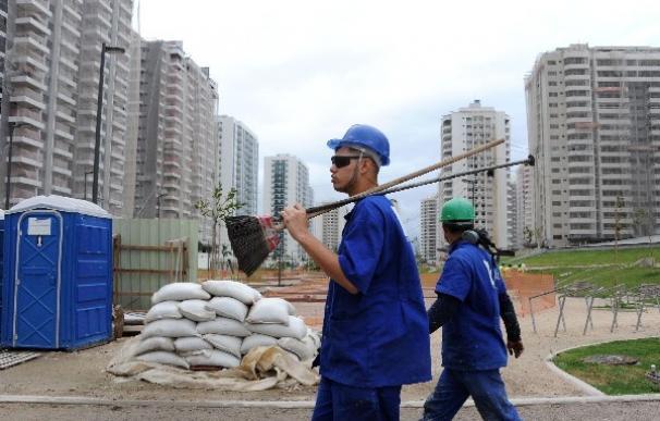 Trabajadores de la Villa Olímpica.