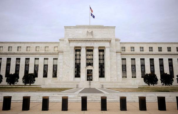 La Fed da seis meses a cuatro bancos para enviar un nuevo plan de dividendos