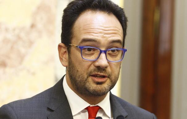 El PSOE apoyará al Gobierno sobre Cataluña pero no modificará su 'no' a la investidura de Rajoy