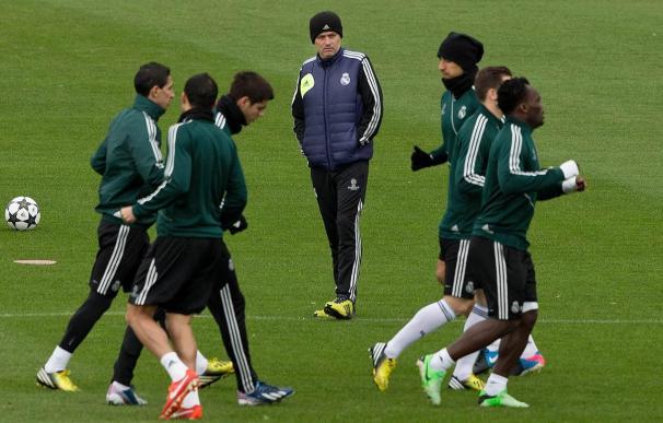 José Mourinho en una sesión de entrenamiento en la ciudad deportiva