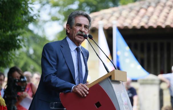 """AMPL Revilla sobre Rajoy: """"Si es un estorbo, no entiendo que no se retire"""""""