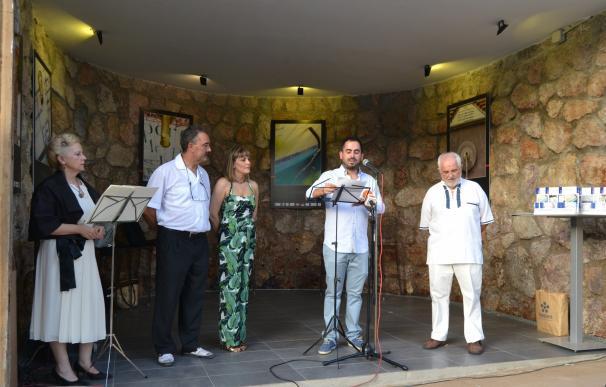 Inaugurada la exposición fotográfica 'Pilares: patrimonio de Lanjarón' con poesía y música