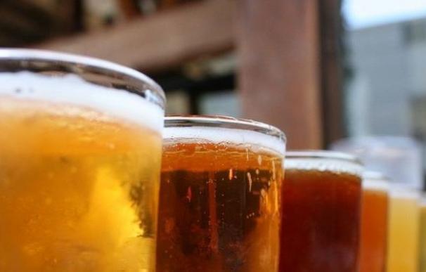 El mejor empleo de la historia: casi 4.500 euros al mes por beber cerveza