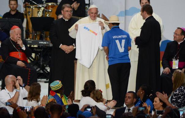 """El Papa a los voluntarios de Cracovia: """"Yo no sé si estaré en Panamá"""""""