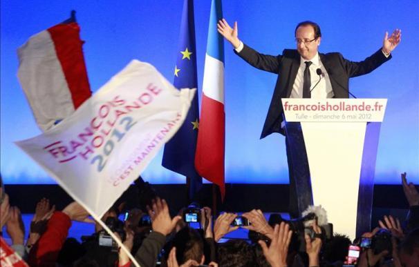 """Hollande declara que su misión es dar a Europa una """"dimensión de crecimiento y empleo"""""""