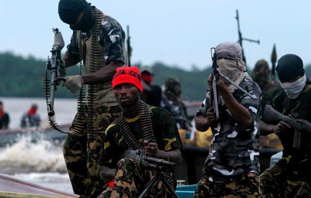 Al Qaeda confirma que mantiene secuestrados a los cinco franceses en Níger