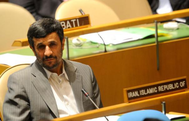 "Ahmadineyad acusa a Netanyahu de ser un ""asesino experimentado"""