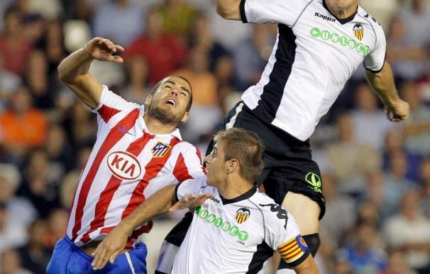 1-1. Aduriz salva un punto para el Valencia ante un defensivo Atlético