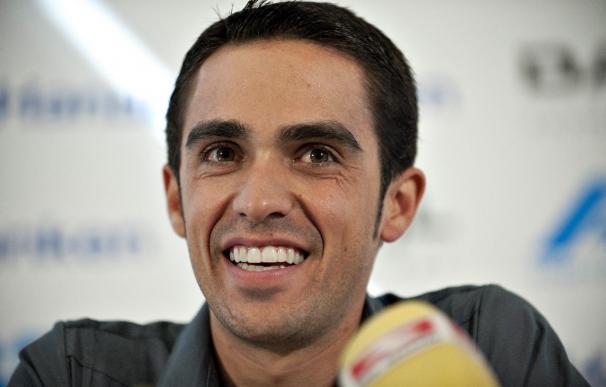 Contador se daña la rodilla derecha tras una caída cuando se entrenaba