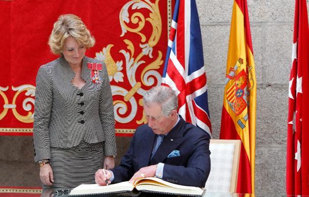 El príncipe de Gales se reúne con Aguirre y con empresarios españoles